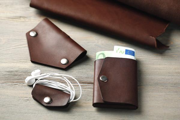 nettoyer le cuir comment nettoyer des chaussures en. Black Bedroom Furniture Sets. Home Design Ideas