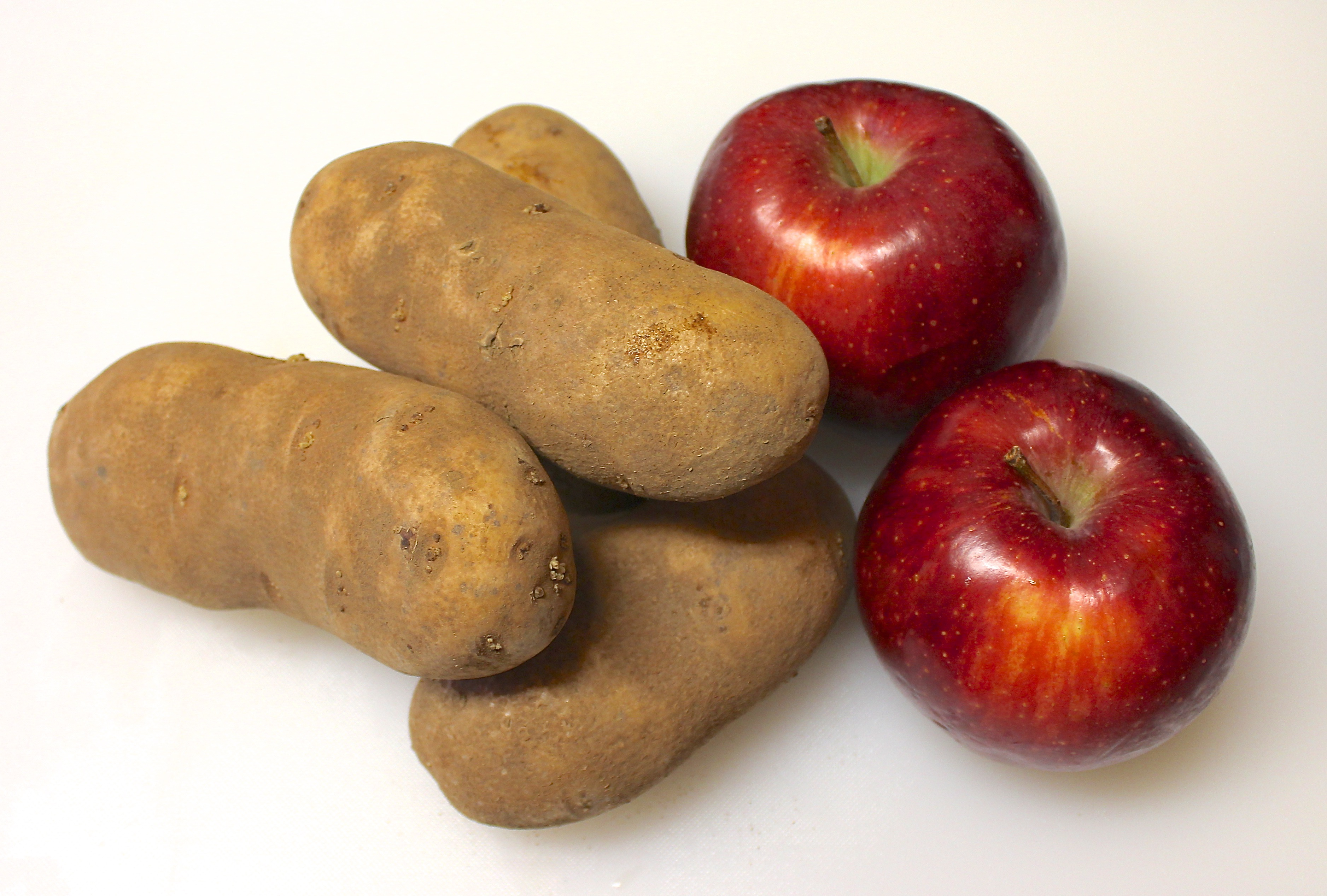 Emp cher les pommes de terre de germer bianca au naturel - Faire germer des pommes de terre ...